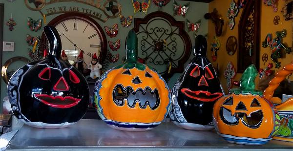 Halloween Talavera Jack 'O Lantern Pumpkins.