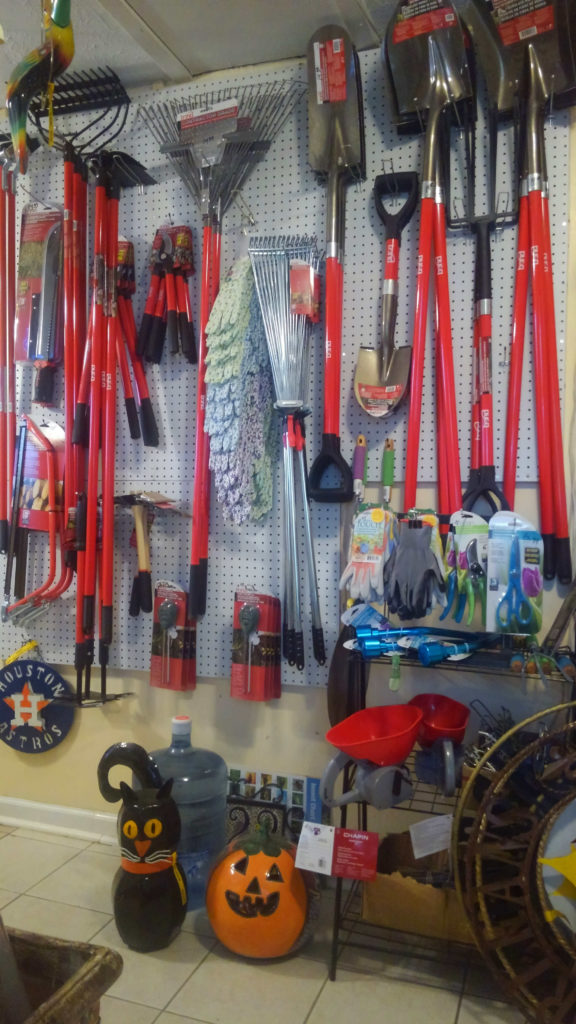 A great selection of gardening tools!