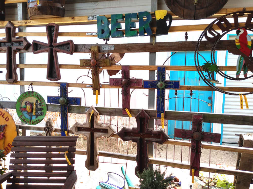 Crosses! Crosses! Beautiful indoor and outdoor decorations!